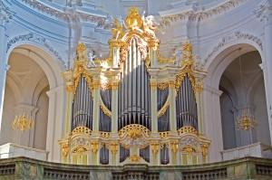 Programme pour le mois de juillet 2012 dans Période estivale 2012 orgue-silbermann-dresden-300x199